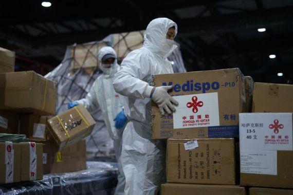 Comentario: La ayuda de China para enfrentar COVID-19 es humanitaria, no geopolítica
