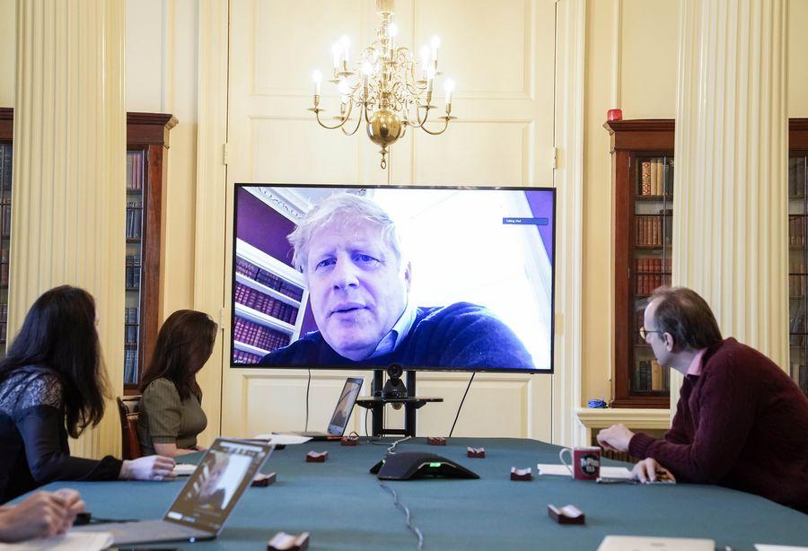 Trasladan a primer ministro británico a terapia intensiva por agravamiento de síntomas de coronavirus