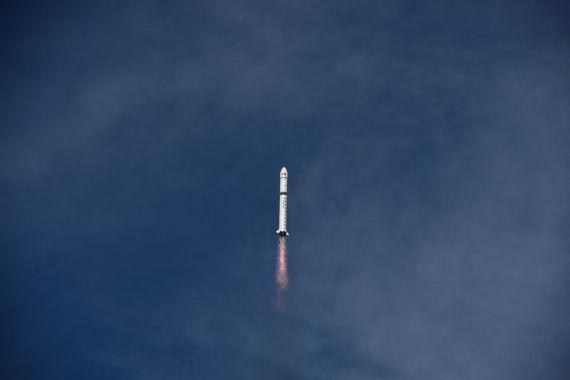China pone dos satélites en órbita programada