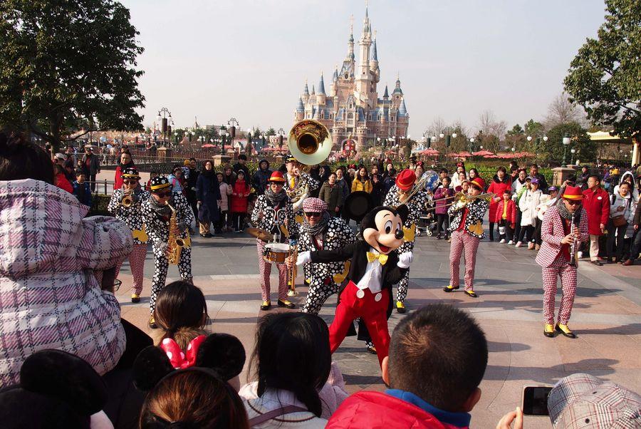Shanghai Disneyland reabrirá con control en su capacidad