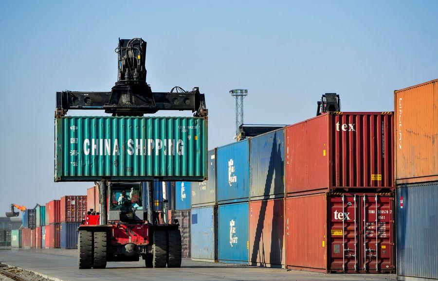 Superávit de comercio de productos y servicios de China asciende a 45.000 millones de dólares en agosto