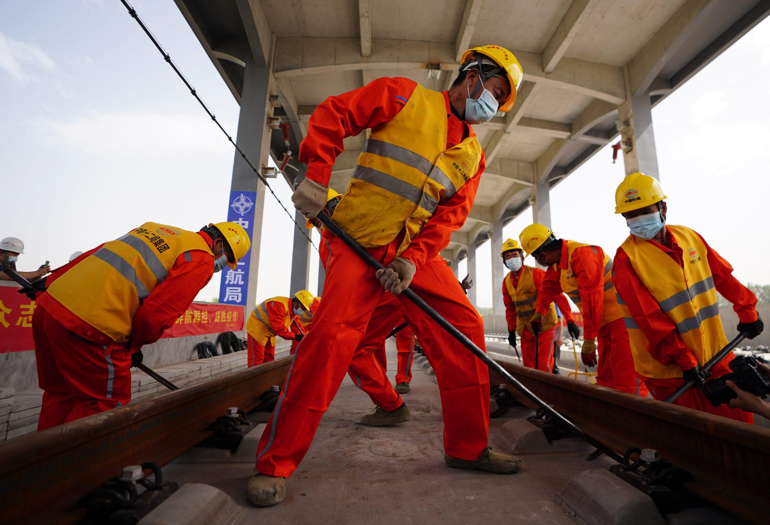 China está trabajando en plan para aumentar edad de jubilación