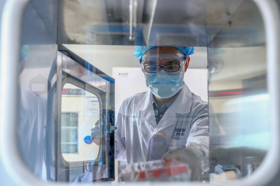China tiene suficiente capacidad de transporte de vacunas contra COVID-19