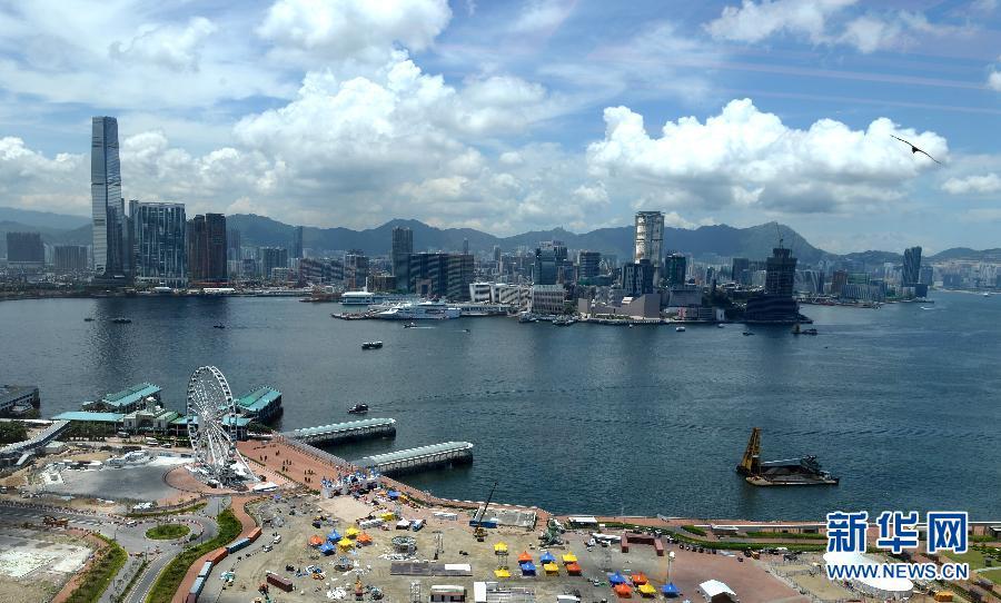 Expertos en pruebas de virus de parte continental de China arriban a Hong Kong para ayudar en lucha contra COVID-19
