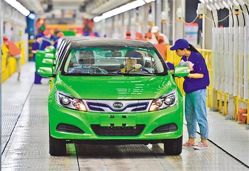 Ventas de automóviles de pasajeros de marcas nacionales caen en primeros siete meses