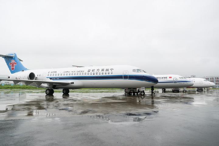 Avión regional chino ARJ21 entra en servicio en nueva ruta