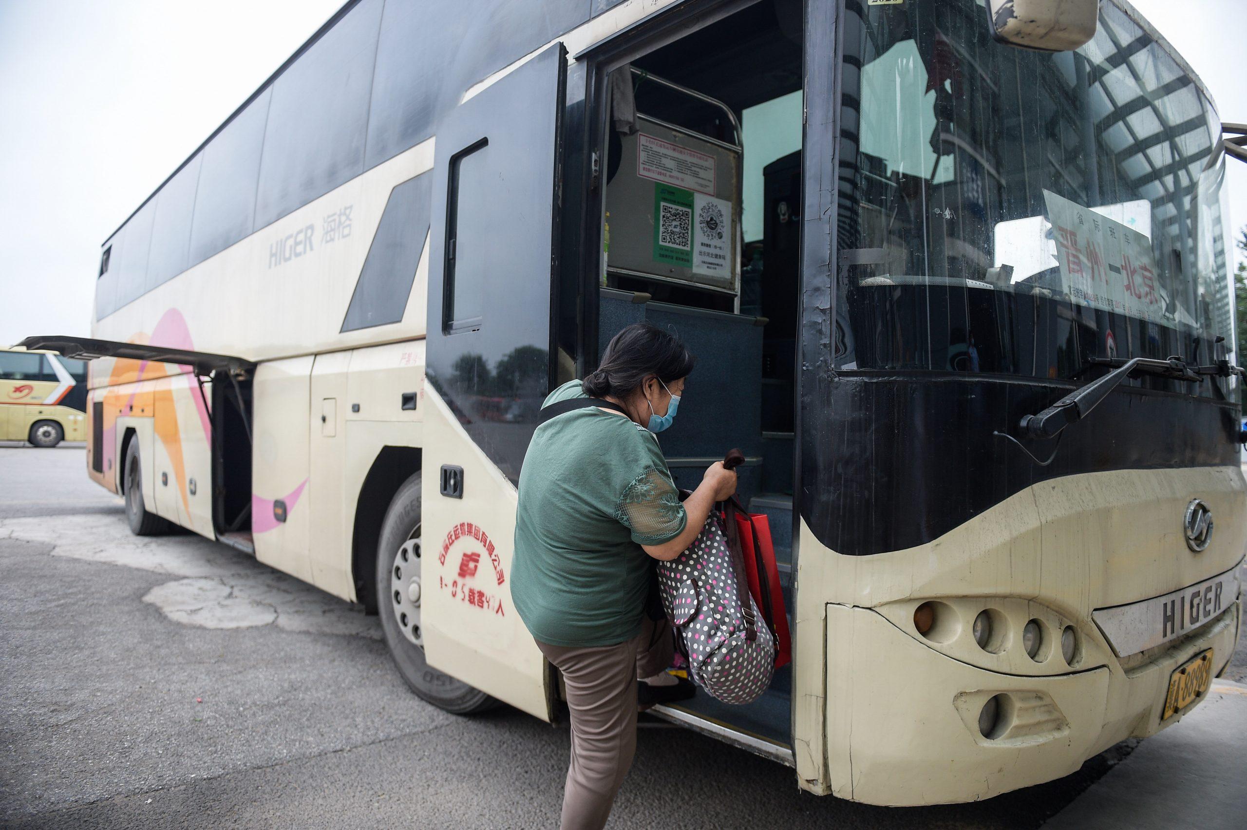 China registrará intenso tránsito en carreteras durante vacaciones: Ministerio