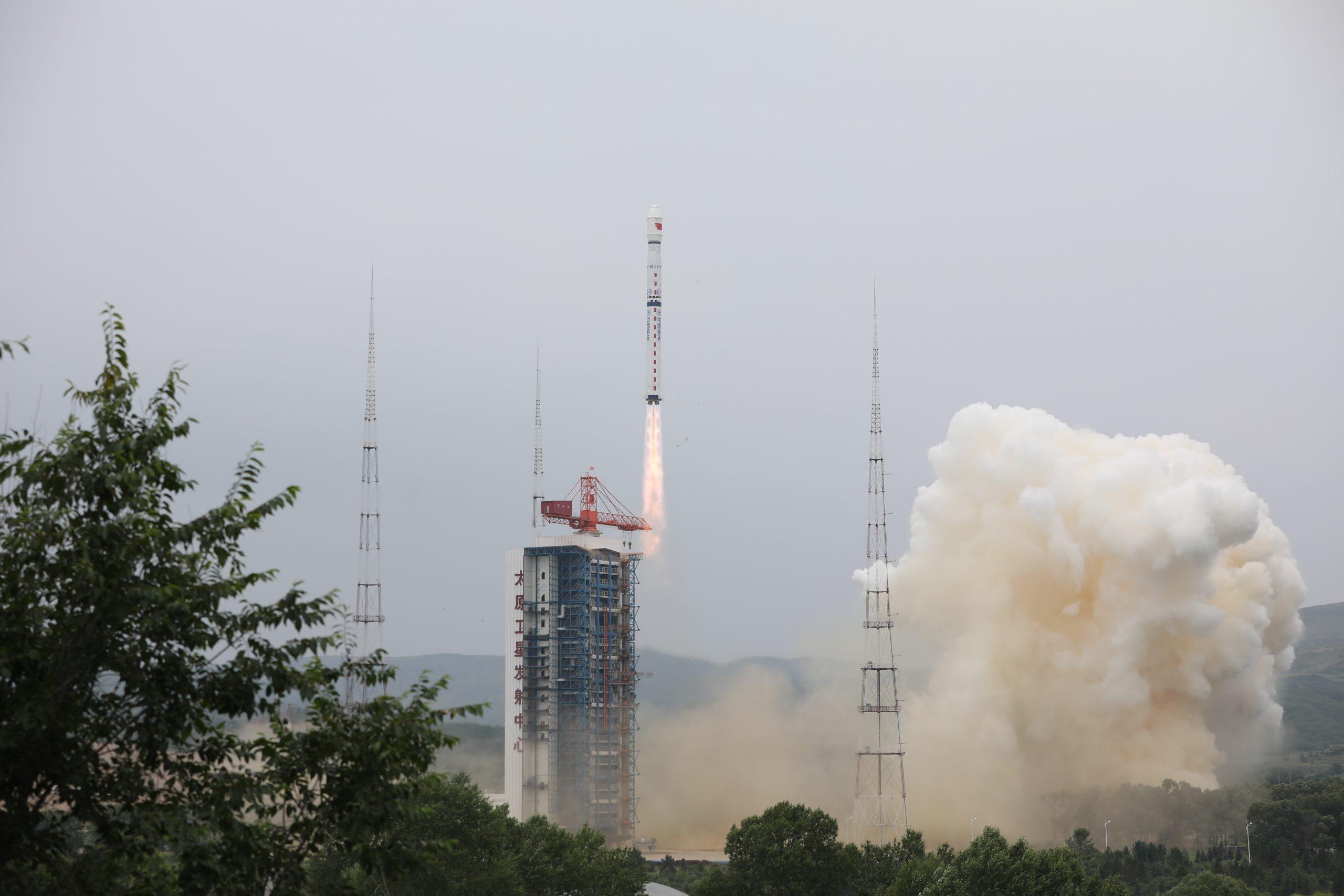 China recibe datos de satélites recién lanzados de monitorización ambiental