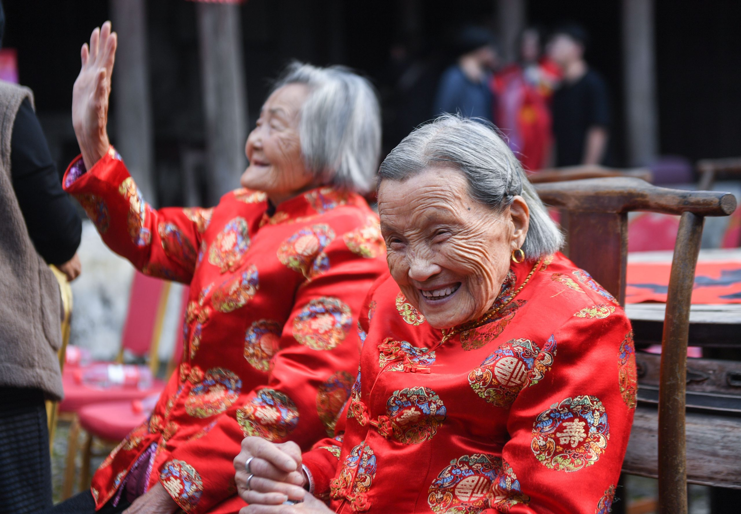 Ciudad china conocida por longevidad de sus habitantes registra récord de 525 centenarios