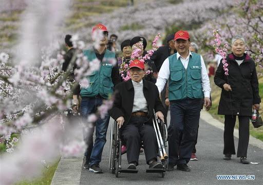 Escenarios culturales en China serán más amigables para los ancianos