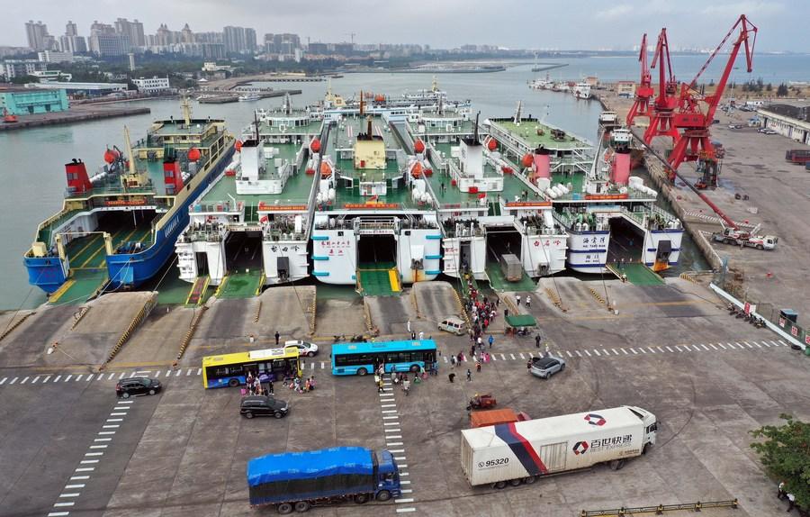 China emite directriz para facilitar acceso al mercado en puerto de libre comercio de Hainan