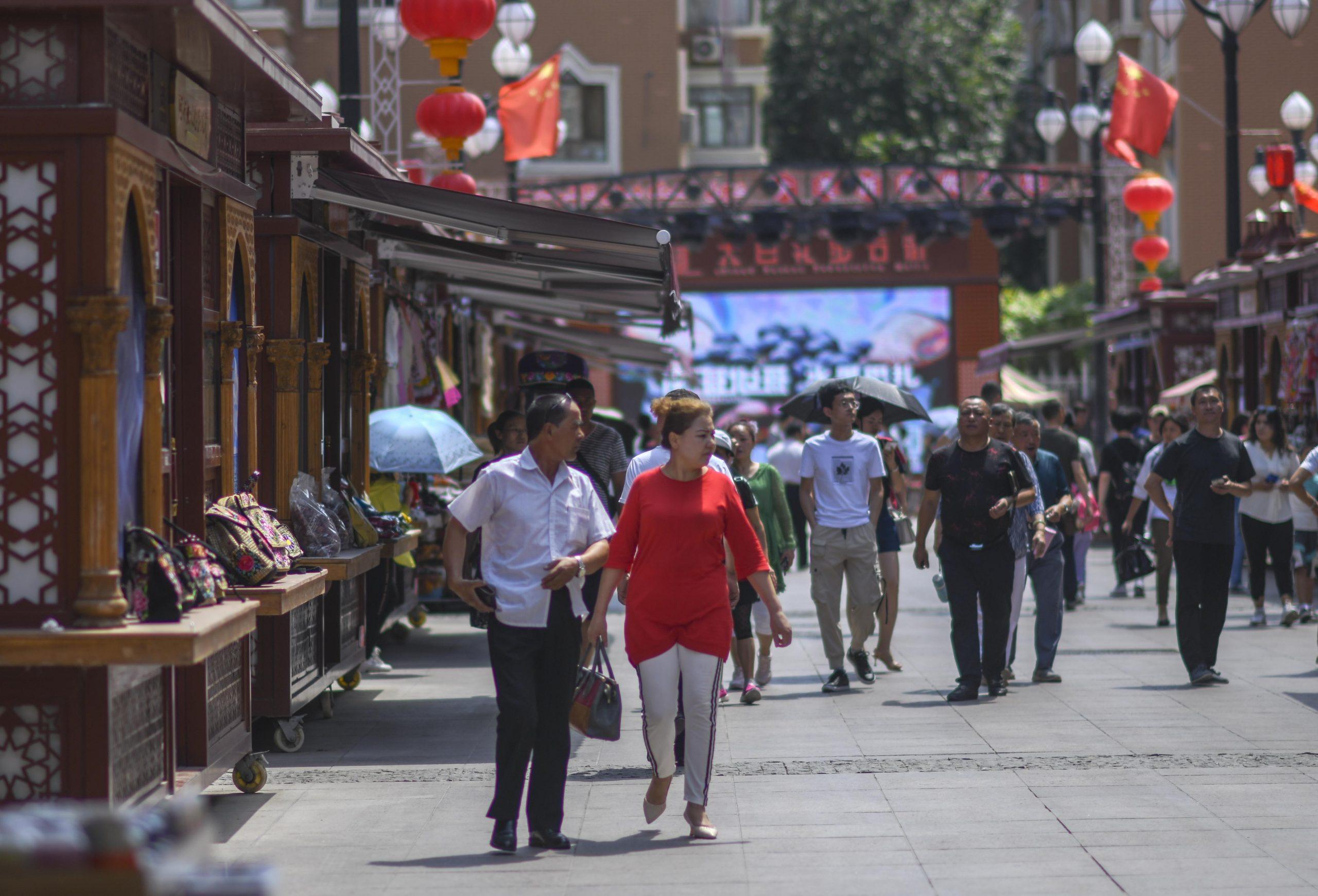 Aumenta 18,5 % población en región Xinjiang de China en última década