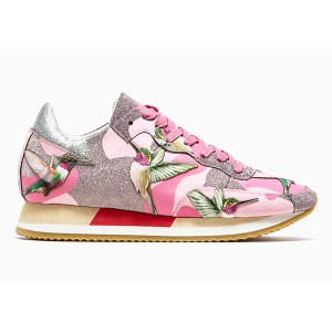 Women's Low Top Sneakers (2)
