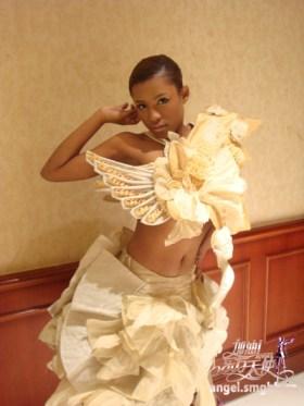 shanghainese-black-girl-luo-jing-fancy-dress-2