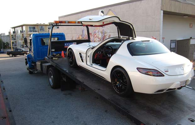 Auto For Sale In Canada: Rich Chinese Youth Fined In Canada Claim Westerners