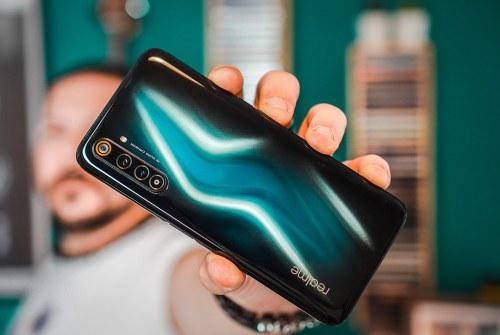Recensione Realme 6 Pro: un tuttofare con display a 90Hz e super batteria