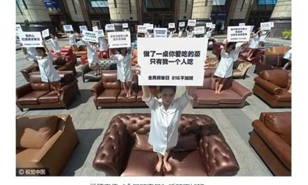 Manifestations d'épouses pour le retour de leurs maris