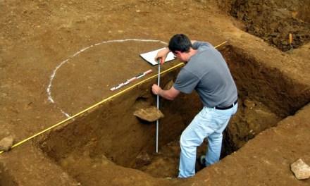 Du vin de 2000 ans d'âge découvert dans une tombe
