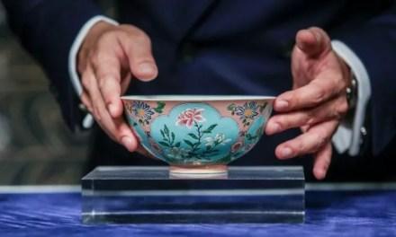 Un bol de la dynastie Qing vendu 24 millions d'euro