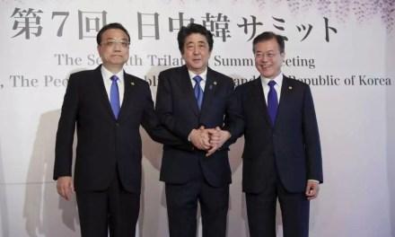 Shinzo Abe en visite en Chine