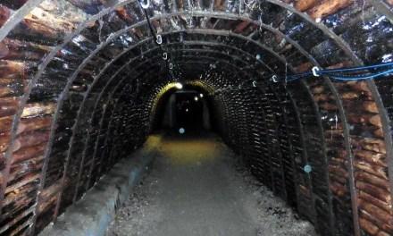 Découverte de mines de mercure