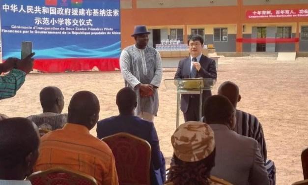 Burkina: la Chine contribue à la résorption des écoles sous paillotes