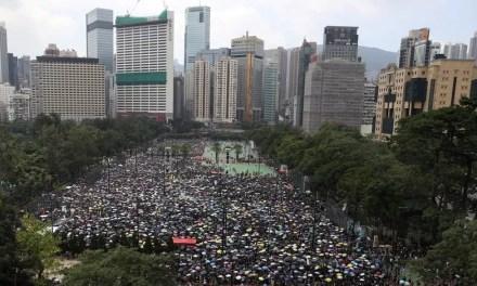 Importante manifestation à Hong Kong