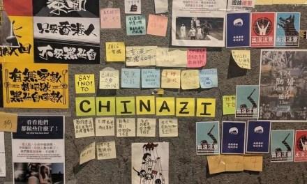 Les manifestants comparent la Chine à l'Allemagne Nazie