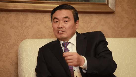 Condamnation à la prison à vie pour corruption pour Hu Huaibang