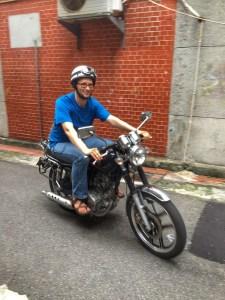 Lee tooting around Taipei