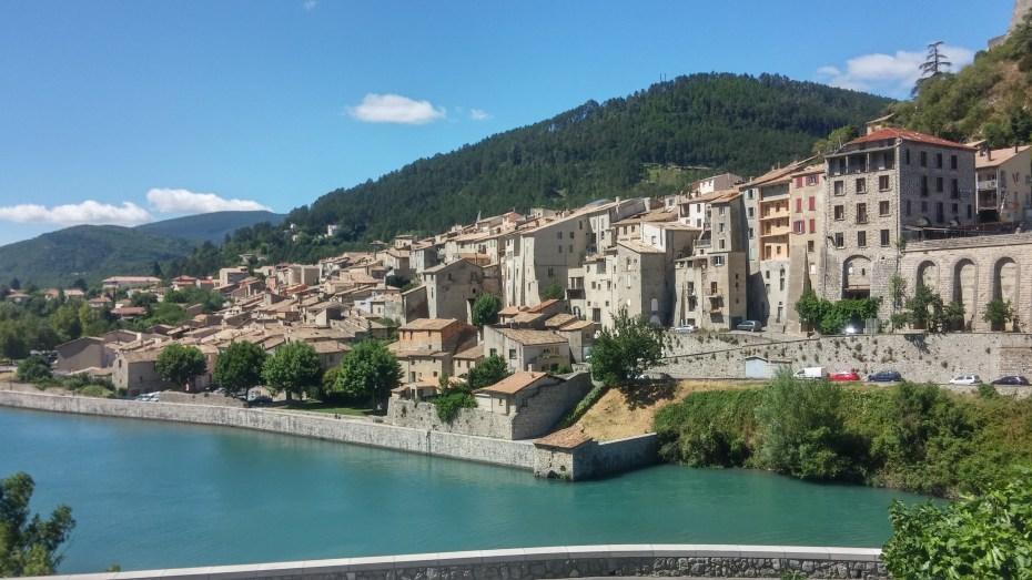 Sisteron, con il fiume Durance