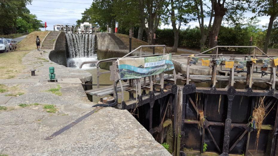 Una delle tante chiuse presenti sul canal du Midi