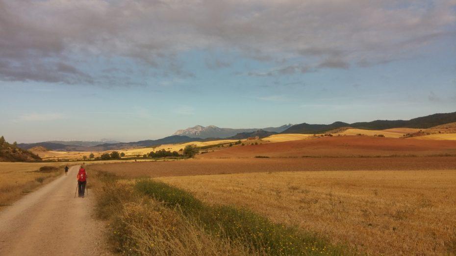 Camminando verso Sansol accompagnati da dolci colline