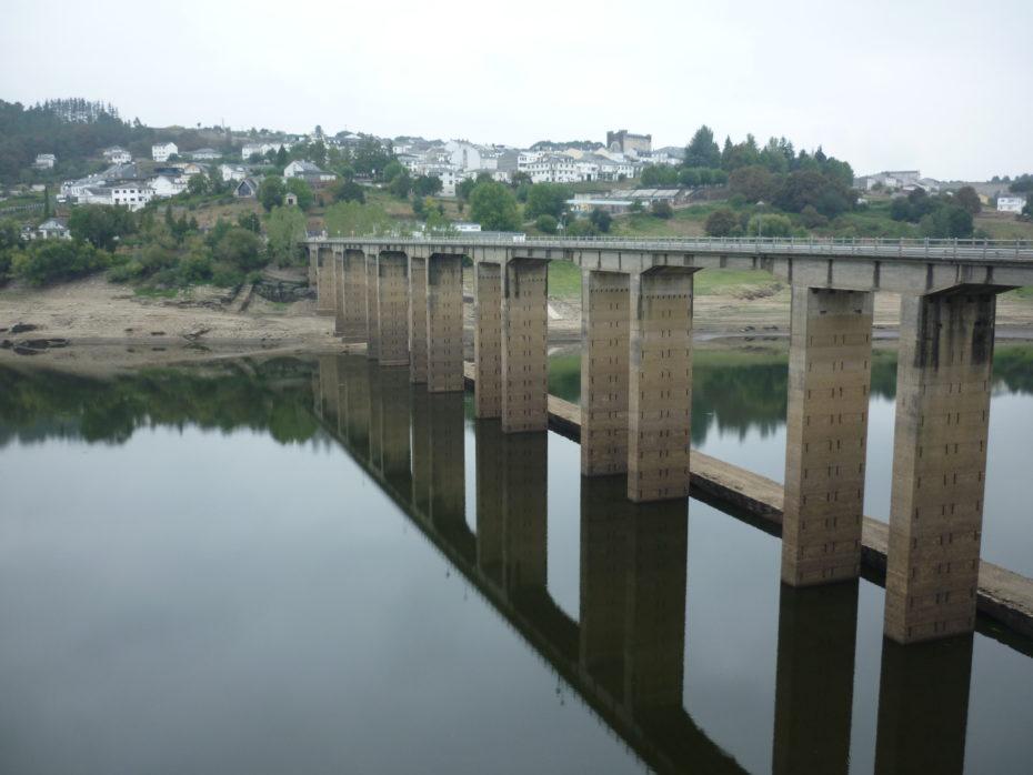 Portomarin con il suo lago ed il ponte