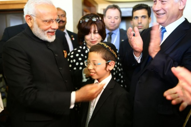 https://i0.wp.com/www.chiourim.com/wp-content/uploads/2017/07/moishi-PM-indien.jpg