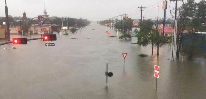 https://i0.wp.com/www.chiourim.com/wp-content/uploads/2017/08/ouragan-us-e1504183460635-700x336.jpg
