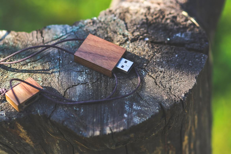 a wooden usb flash drive