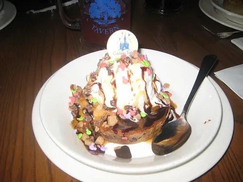 Disney Food Confession - Ooey Gooey Toffee Cake 1