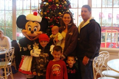 Linds and family at Minnie in the Park breakfast