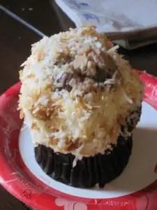 Disney Food Confession - White Chocolate Elephant Cupcake 1