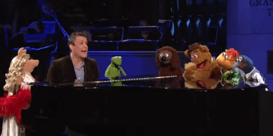 Watch the Muppets Crash Jason Segel's SNL Monologue