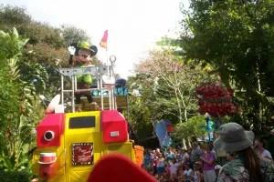 Mickey's Jammin' Jungle Parade!