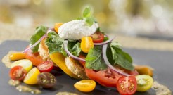 Heirloom-Tomato-Salad-0710ZX_0180JD-640x353