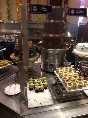 Hollywood & Vine Star Wars Desserts