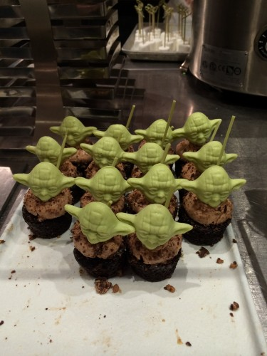 Hollywood & Vine Yoda Cupcakes