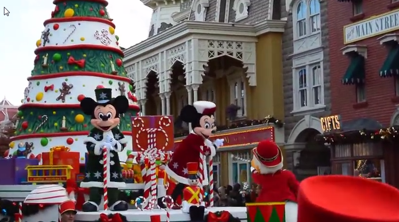 Disney Christmas Parade.2014 Disney S Christmas Parade At Disneyland Paris
