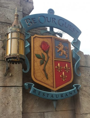Disney World Freezes Dining Reservations, Waives Cancellation Fees Ahead of Hurricane Irma 1