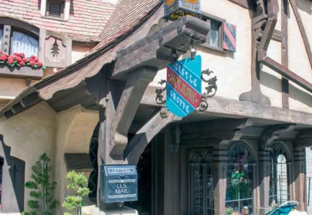 Castle Holiday Shoppe