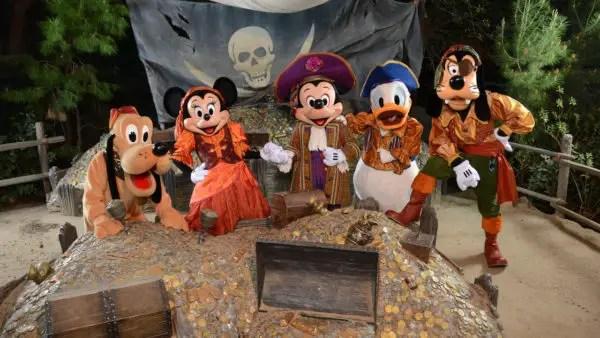 Yo ho ho! Disney's PhotoPass Adds Pirate Magic Shots and Memory Maker Photos 3