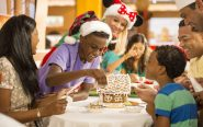 Make Gingerbread house - DCL